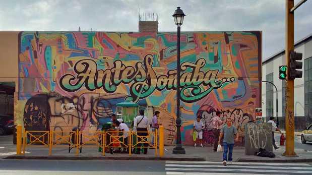 `pintura mural barrio peru